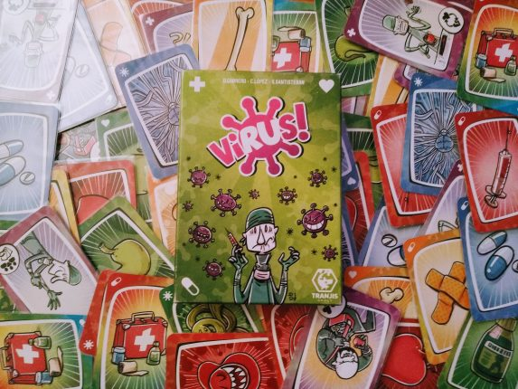 Virus! El exitoso juego de cartas de Tranjis Games